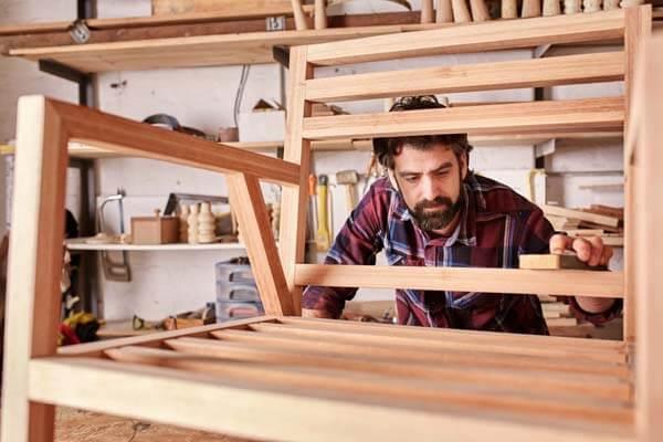 Design mobilier et accessoires formation decoratrice for Metier designer interieur
